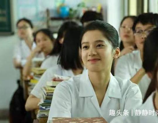 劉昊然新影片入選國際影片節,亮相國際品牌發佈會清透自拍盡顯自然感