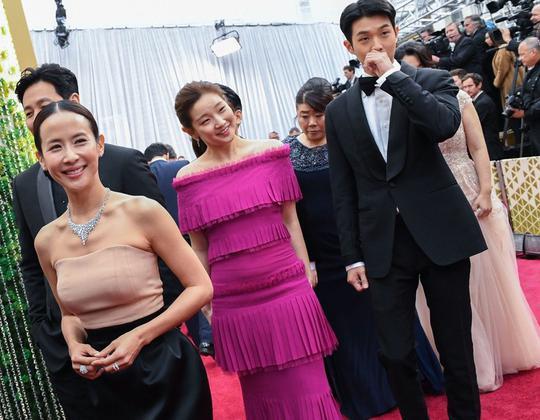 「寄生上流」叩關奧斯卡 南韓新聞媒體聚焦好萊塢