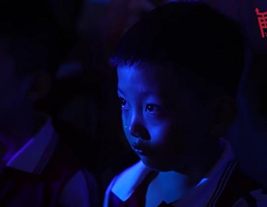 飆淚短視頻爆紅互聯網 《再回延安》編劇:我們都被敬佩著